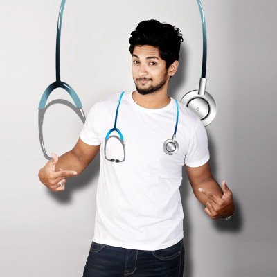 Men Round Neck White T-Shirt- Stethoscope